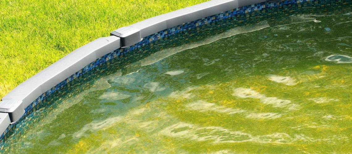 Ako vyčistiť vodu v bazéne