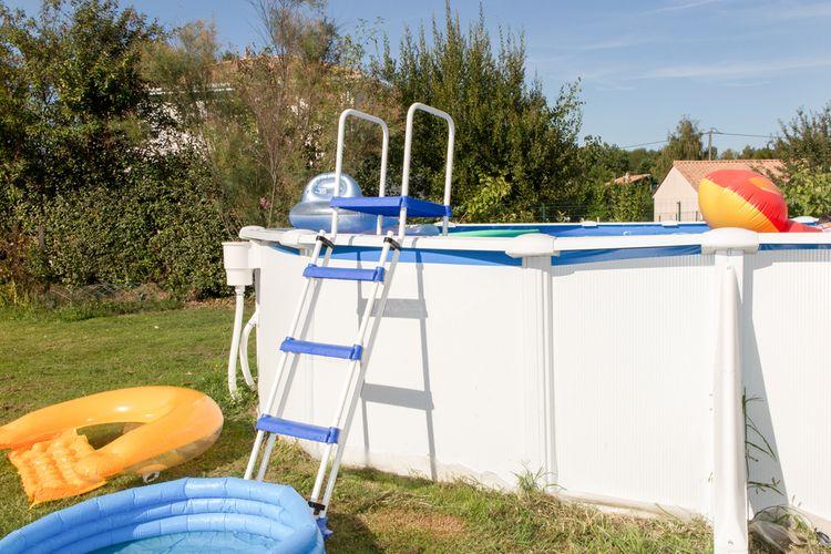 Nadzemný bazén s rámovou konštrukciou
