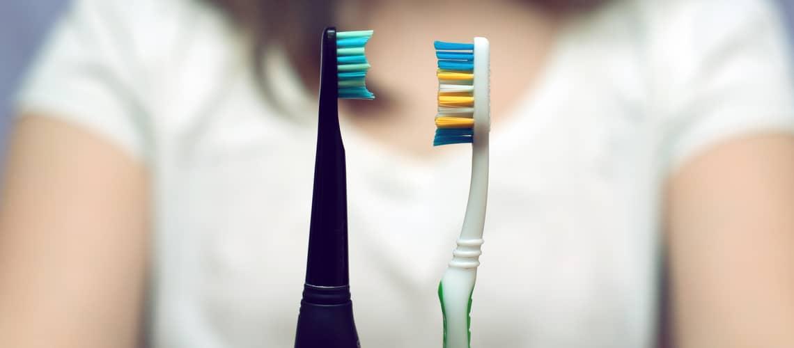 Elektrické vs. klasické zubné kefky