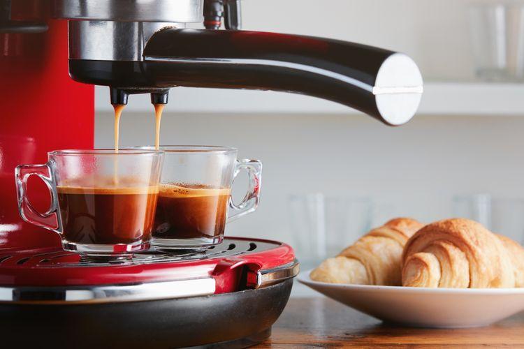 Levný pákový kávovar pro nenáročné