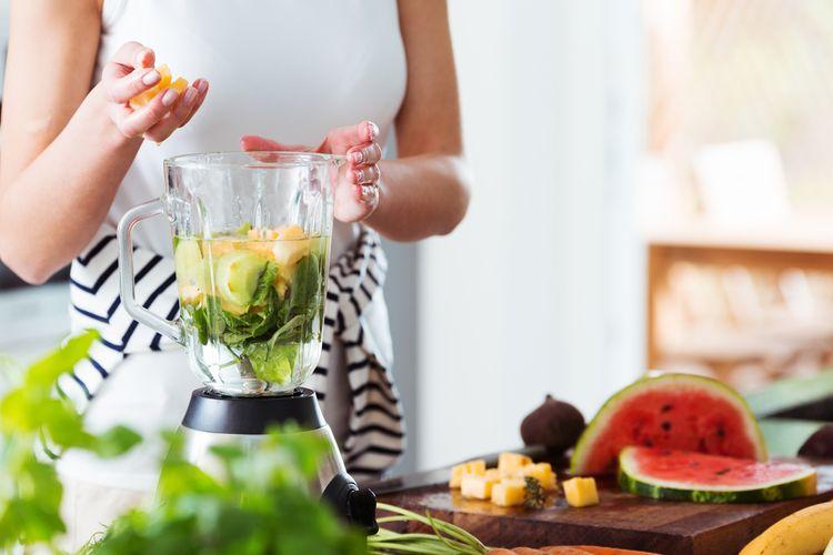 Stolný smoothie mixér s reguláciou otáčok