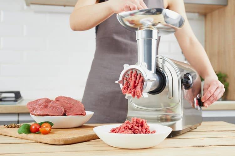 Ako vybrať elektrický mlynček na mäso