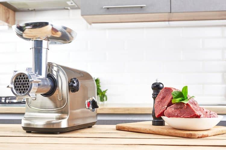 Nerezový elektrický mlynček na mäso