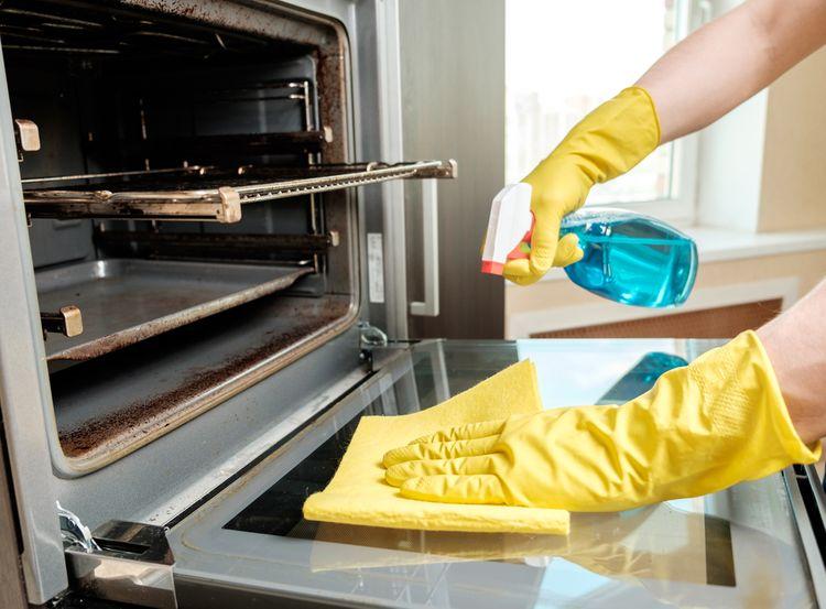 Pečící trouba – údržba a čištění