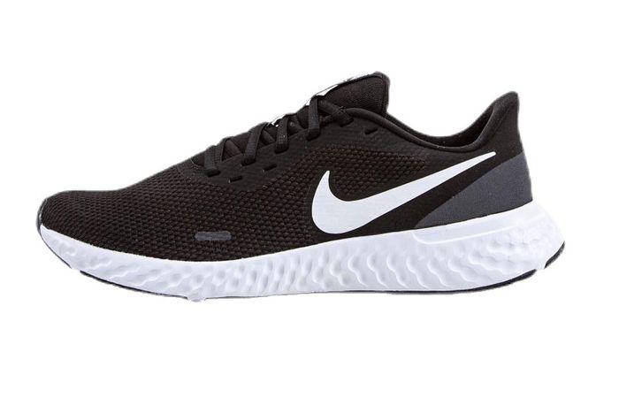 Bežecké tenisky Nike Revolution 5